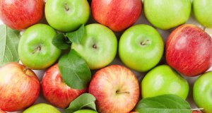kırmızı ve yeşil elmalar karışık