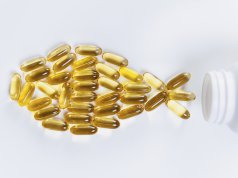 omega 3 kapsülleri ile balık şekli verilmiş