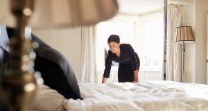 yatak temizliği konseptli fotoğraf